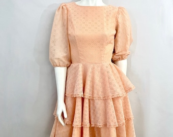 Vintage 70's Square Dancing Dress, Peach, Eyelet Lace, Ruffle, Half Sleeve (S)