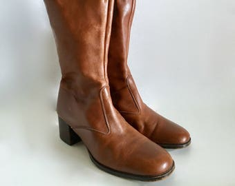 Vintage Shoes Women's 70's Bandolino, Brown Leather Boots (Size: 6 1/2N)