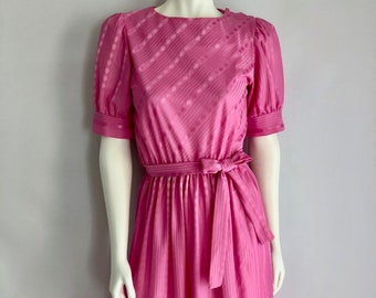 Vintage Women's 80's Dress, Pink, Short Sleeve, Knee Length by Glamax (S)