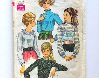Vintage Sewing Pattern Women's 60's McCall's 9120, Blouse Set, Tie (S)