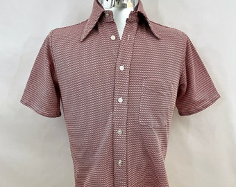 Vintage Men's 70's White, Red, Geometric, Short Sleeve, Shirt by Kings Road (S)