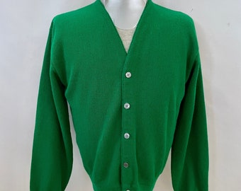 Vintage 70's Green, Cardigan Sweater, Long Sleeve, V Neck by Fore Play (L)