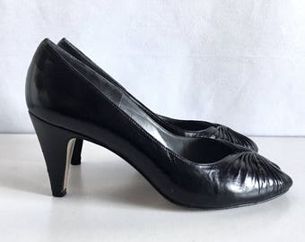Vintage Shoes 80's Van Eli, Peep Toe, Heels, Leather, Leather, Pumps (Size 6 1/2)