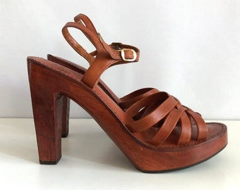 Vintage Shoes Women's 70's Wood, Platform Sandals, Brown Leather by House of Pierre (Size 9)