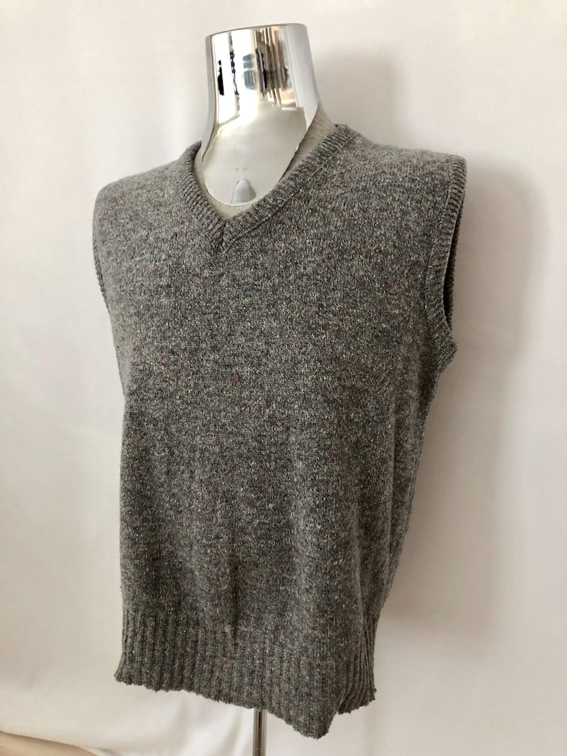 Vintage Men/'s 80/'s Wool Blend Sweater Vest by Royal Knight Gray XL