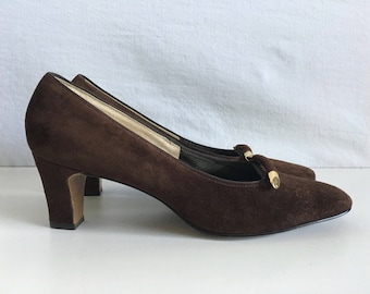 Vintage Shoes Women's 60's Brown Suede Heels by Naturalizer (Size 7 1/2)