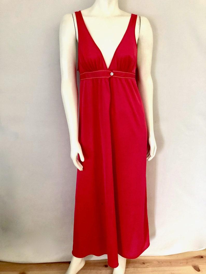 Vintage Sleepwear Women's 70's Vassarette Coral image 0