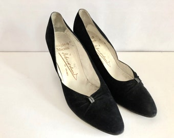 Vintage Shoes Women's 50's Black, Suede, Heels by Brugues (Size 6)