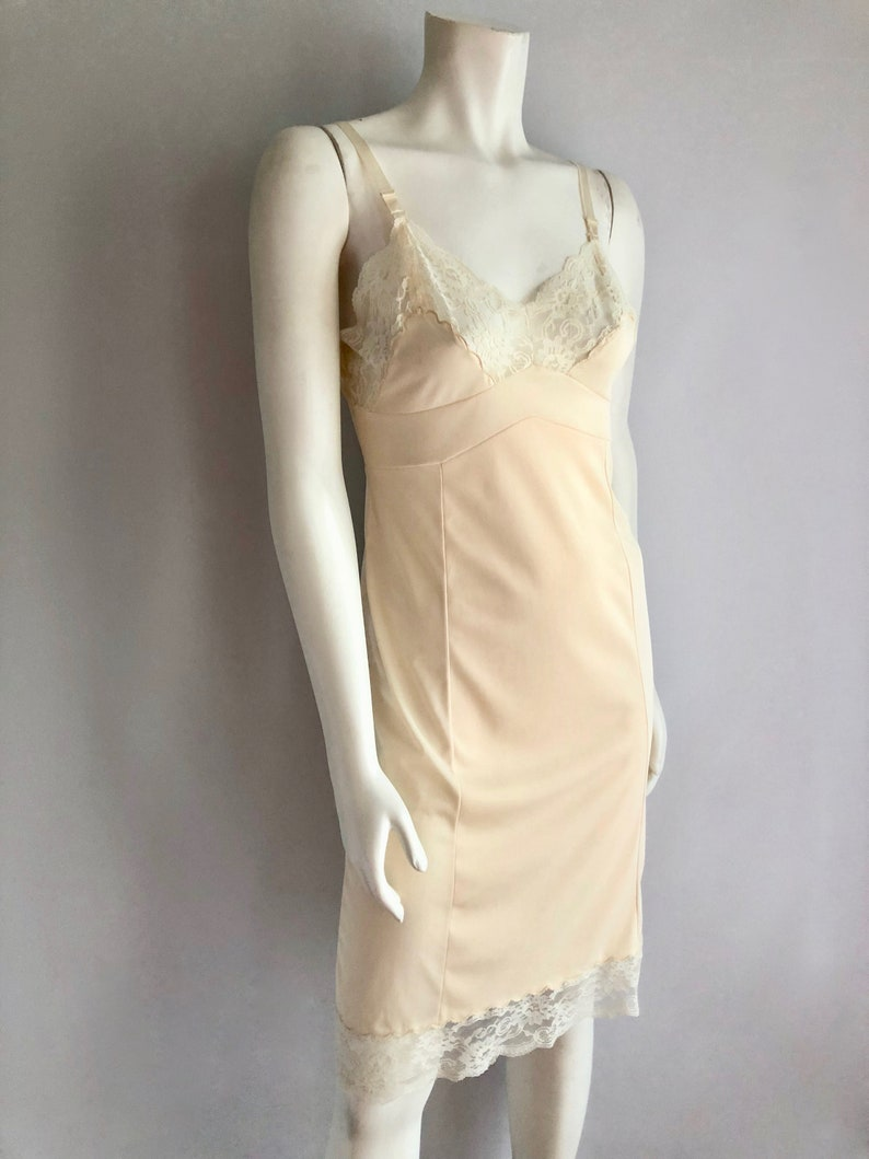 Lace Size 32 Knee Length Vintage Lingerie Women/'s 70/'s Cream Dress Slip