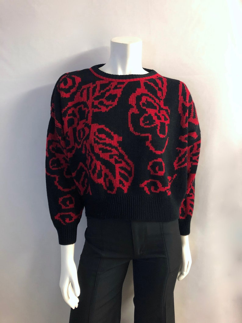 Vintage Women's 80's Black Red Acrylic Cropped image 0