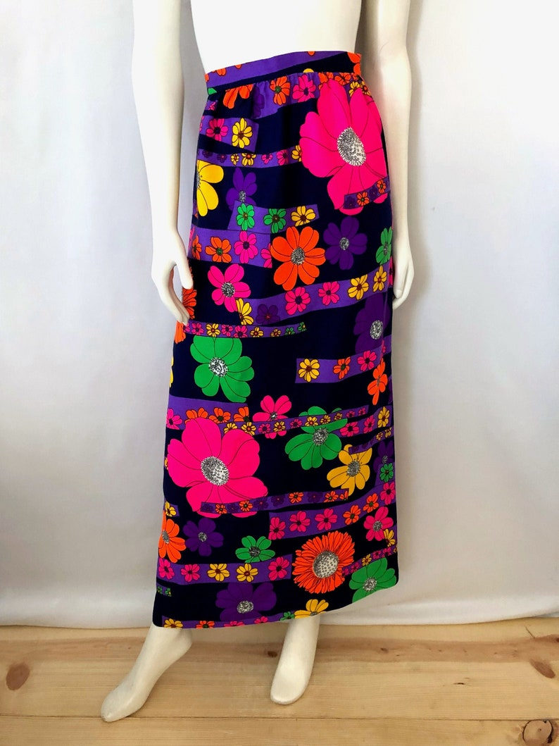 Vintage Women's 60's/70's Navy Neon Floral A image 0