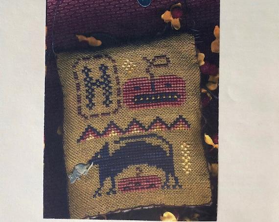 A Halloween Year - December - H is for Halloween - Cross Stitch Pattern by HOMESPUN ELEGANCE - Jack O Lantern - Black Cat - Ornament