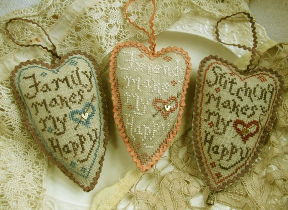 Making My Heart Happy - Cross Stitch Pattern by HOMESPUN ELEGANCE Housewarming - Plain & Fancy Collection - Ornaments - Needlework Smalls