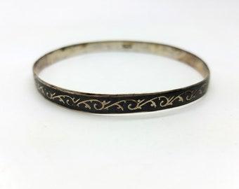 SIAM .925 Sterling Silver Green Enamel Bangle Bracelet w Clasp Must See!!!