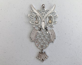 1970's Reticulated Owl Pendant Long Chain Necklace