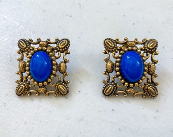 1970's Antiqued Filagree Cab Stone Inset Pierced Earrings
