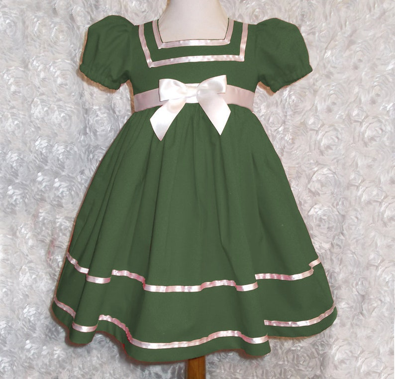 debdf077f4fc Dark Green Cotton Short Puffy Sleeve Dress with White Ribbon   Etsy