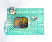 Green organic placemat,  child place mat with  cutlery pocket,  ecofriendly fabric