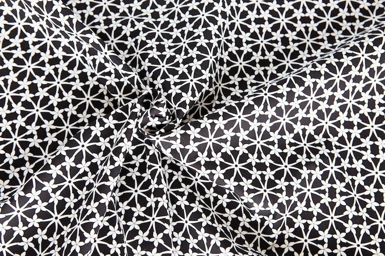 Flower fabric in black and white. Fleur de noir organic image 0