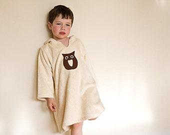 Child gift, organic robe for boy or gir. Warm bath robe in organic fabric. Ecofriendly toddler robe with brown owl.