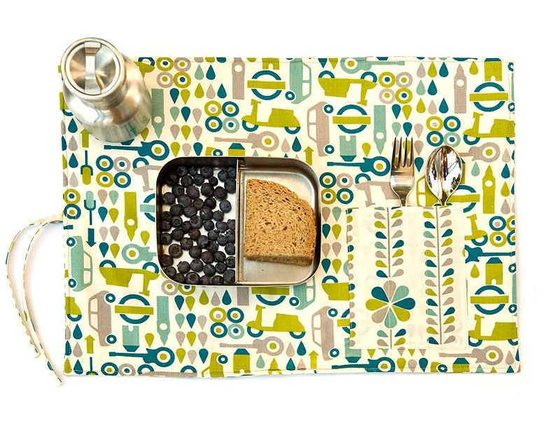 Green placemat. Organic cotton place mat. Child birthday gift image 0