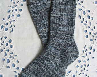 Blue Socks Women's Small-Medium Size - Extra Thick and Warm 6ply Superwash Wool