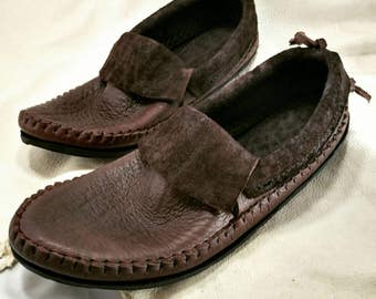 Lowrider Running Inca Moccasin Hand Stitched Soft Bullhide Leather Upper With A Durable Flexible VIBRAM Sole Everyday Mens Womens Moccasins