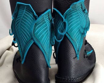 Shin High Moccasin Black w/ Turquoise Leaf Applique / Hand Stitched Thick Bullhide Leather w/ Vibram Renaissance