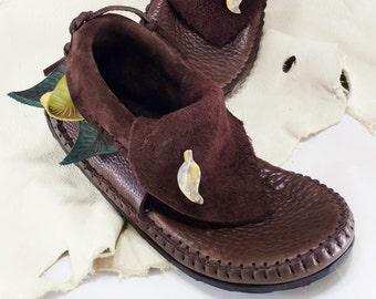 Three Leaf Inca Moccasin Hand Stitched Soft Bullhide Leather Upper W/ Durable VIBRAM Sole / Renaissance Festival Shoes Mens Womens Moccasins