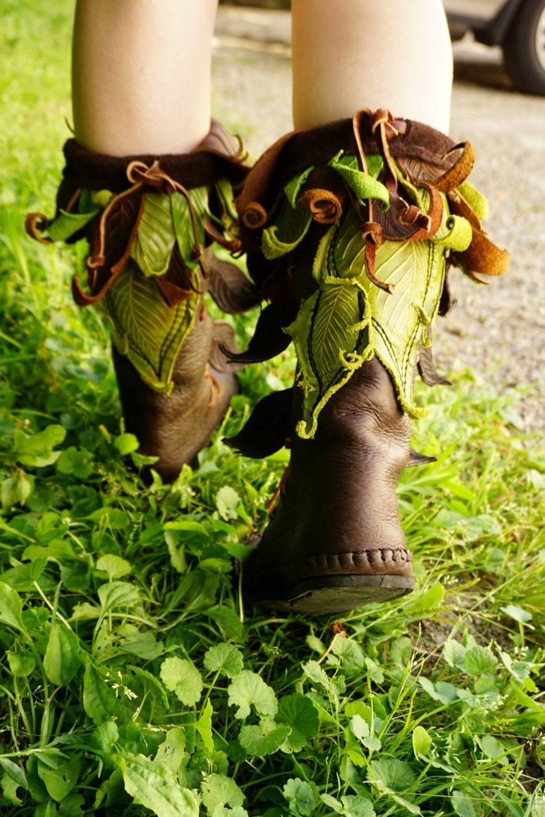 Mid-Calf Evolution Boot / Tall Moccasin Hand Stitched Bullhide image 0