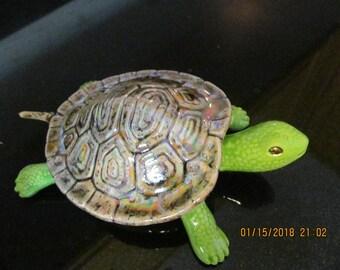 Hawaiian Turtle Honu Trinket Box - by Marianne of Maui