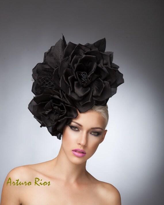 Tocado de rosas de seda negro costura con velo Fascinator de  aac48e83869
