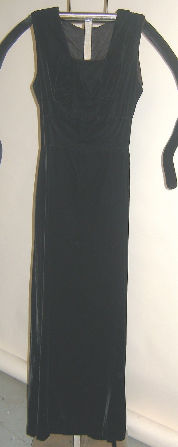 Blk Velvet 1950's Floor Length Dress