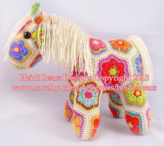 Lumpkin graso el Pony valiente flor africana ganchillo patrón | Etsy