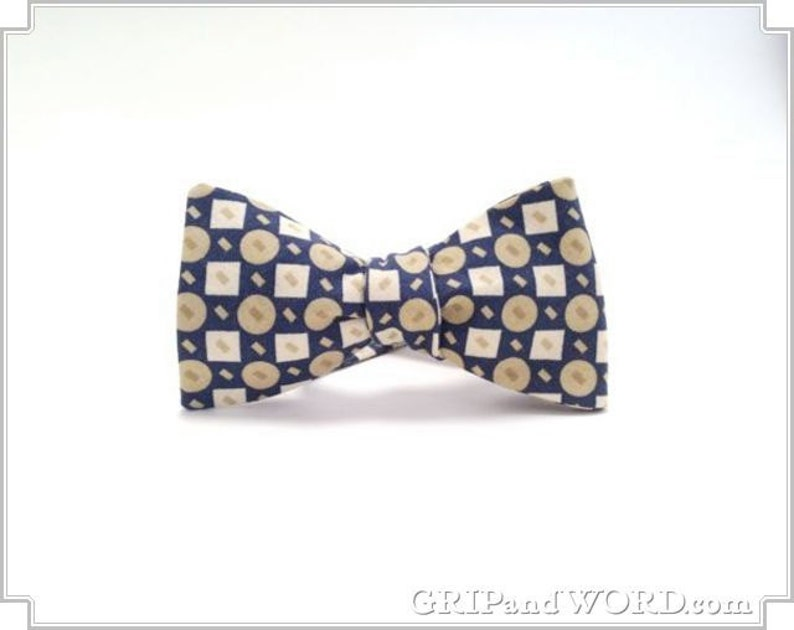 Blue Retro Geometric Pattern Bow Tie image 0