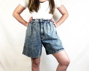 Vintage French Navy Highwaisted Light Wash bue Pleated Shorts Mom shorts  Women/'s size 26