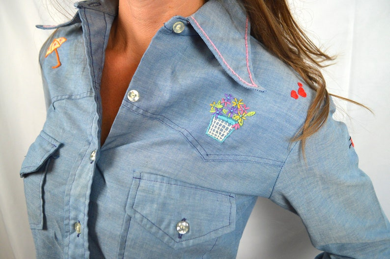 Great Wrangler Embroidered Butterfly Floral Button Up Western Shirt