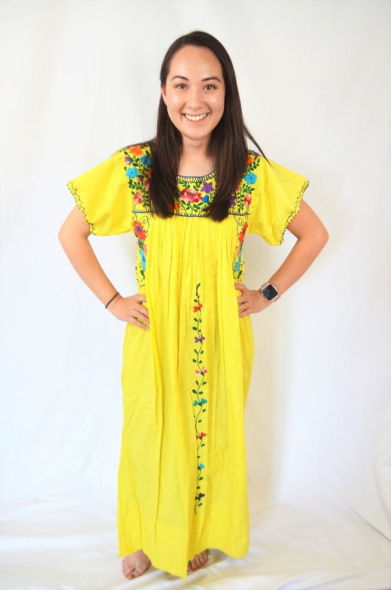 Embroidered Vintage Yellow 1970s 70s Oaxaca Mexica