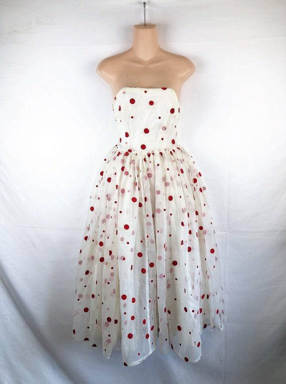 Vintage 1950s 1950s Valentine Tulle Strapless Swee