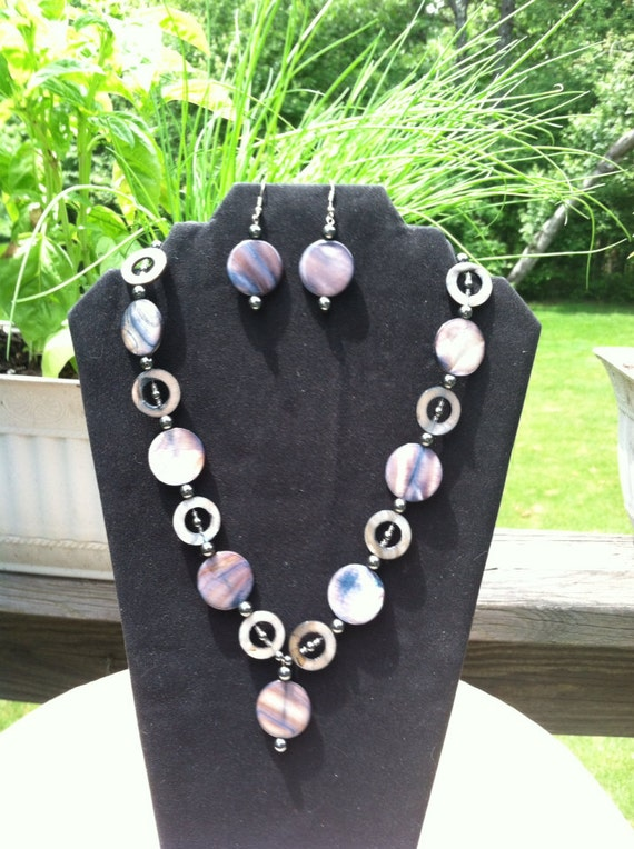 Silver Shell with Circle Bead Set