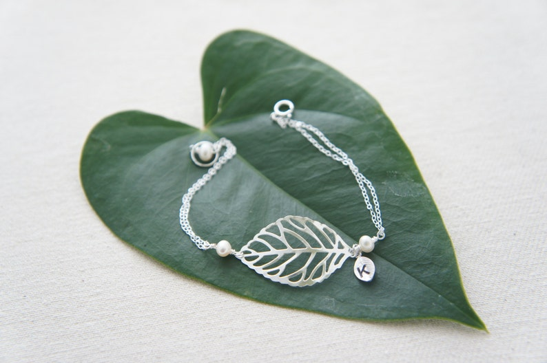 modern everday casual birthday gift wedding Personalized silver leaf bracelet with pearls- bridesmaids gift