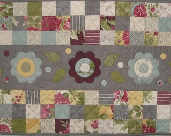 Field of Flowers Table Runner Pattern