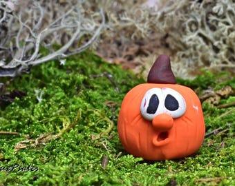 Miniature Pumpkin, Hand sculpted, polymer clay pumpkin, Fairy Garden Decor, Pumpkin Figurine, Thanksgiving decor, Figurine, Halloween Decor
