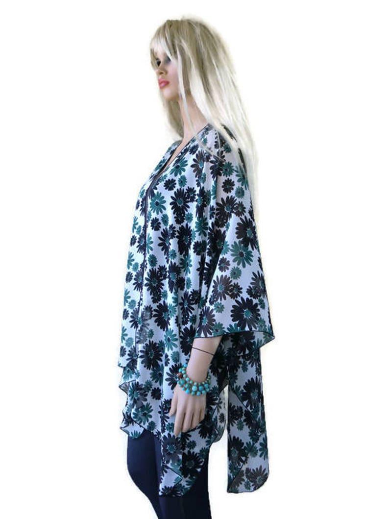 Kimono Ruana with daisies-Oversize kimono Green Black and white-Beach Pareo--oversize chiffon kimono-Ruana