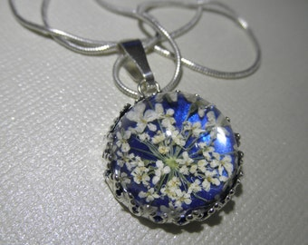 Queen Anne/'s Lace Pressed Flower Keepsake Locket-Atop Glowing Royal Blue-Nature/'s Art-Symbolizes Peace-Gifts Under 35