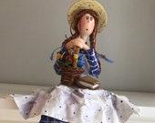 Anne, La maison au pignon vert ,île-du-Prince-Edouard,poupée artistique,poupée d'art,poupée décorative,fleur,film canadien,