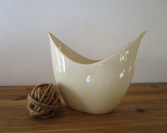 Vintage LENOX Vase Fan Shape Tulip Pattern Basket Weave Gold Trim