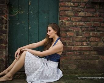 MAGGIE _ Kleid mit Spitze in hellgrau und dunkelblau