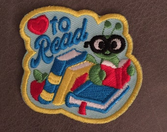 Love to Read Merit Badge Book Worm Heart Iron On Patch Book Shelf Scout Patches Badges