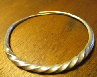 Viking style twisted bracelet armband handmade Anglo Saxon Medieval hacksilver 999 silver Small size